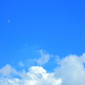 空 雲 飛行機
